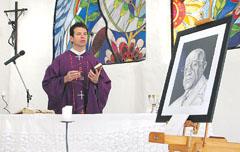 MISA POR EL SEGUNDO ANIVERSARIO DEL FALLECIMIENTO DE JULIO RAMOS 19-11-08 FOTO MARIO MOSCA